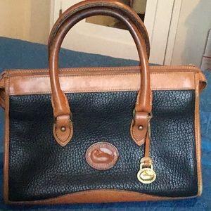 🌹 Vintage Dooney Bourke handbag
